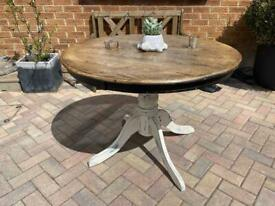 Solid pine round farmhouse pedestal table