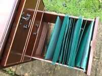 ANTIQUE GEORGIAN STYLE LEATHER TOP MAHOGANY FILING CABINET, 2 DRAWERS, PLUS KEY