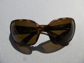 Ray Ban sunglasses in brown plastic 'tortoiseshell' finish