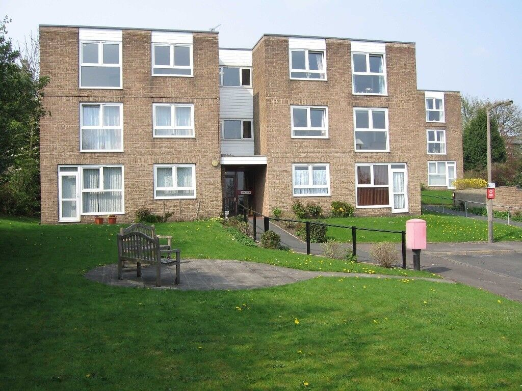 A 2 Bed Second Floor Flat to Rent