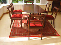 IN EXCELLENT CONDITION – EXTENDING DINING TABLE & 6 CHAIRS (CAN DELIVER)
