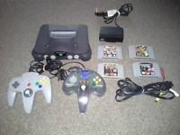 Nintendo 64, 4 games & 2 controllers