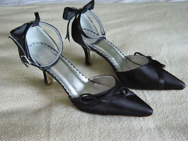 womens size 3 black evening shoes