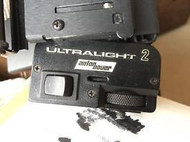 ANTON BAUER ULTRALIGHT 2 ON CAMERA HALOGEN LIGHT.