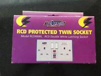 RCD PROTECTED TWIN SOCKET