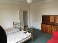 Very Large Room in Beautiful First Floor Flat to Rent Woolwich- All Bills included
