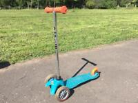 Very good condition mini Micro scooter for sale