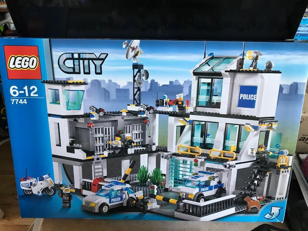 lego city police station 7744 retired - Lgo City Police