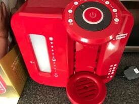 Tommee Tippee Prefect Prep Machine in Red. fully boxed.