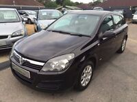 2004/04 VAUXHALL ASTRA 1.6i 16v CLUB 5 DOOR BLACK, GOOD CONDITION,LOOKS AND DRIVES WELL,READY TO GO