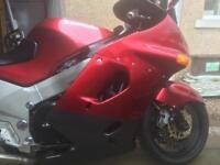 zzr 1100 kawazaki mint condition lots of new parts very cheep bike for condition