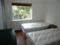 VERY NICE DOUBLE/TWIN ROOM TO RENT IN EAST ACTON/ ZONE 2 / CENTRAL LINE
