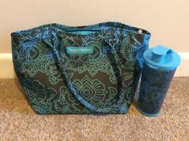 New Tupperware Cool Bag with Matching Drinks Container