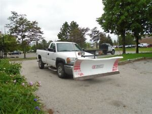 2006 GMC SIERRA 2500HD SL,4X4,Plow,Spray liner,Vortec V8.