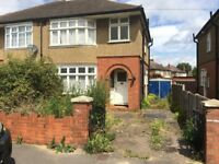 BRILLIANT THREE BEDROOM HOUSE TO RENT LOCATED ON AUSTIN ROAD, LUTON, BEDFORDSHIRE