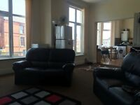 Spacious flat share with 2 double bedrooms available