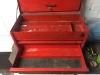 Classic snap on tool box