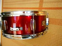 CB wine red snare drum, Remo head.