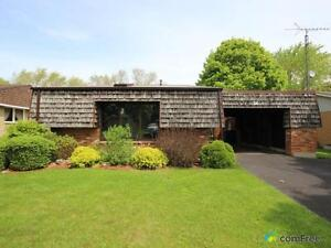 $189,900 - Split Level for sale in Chatham