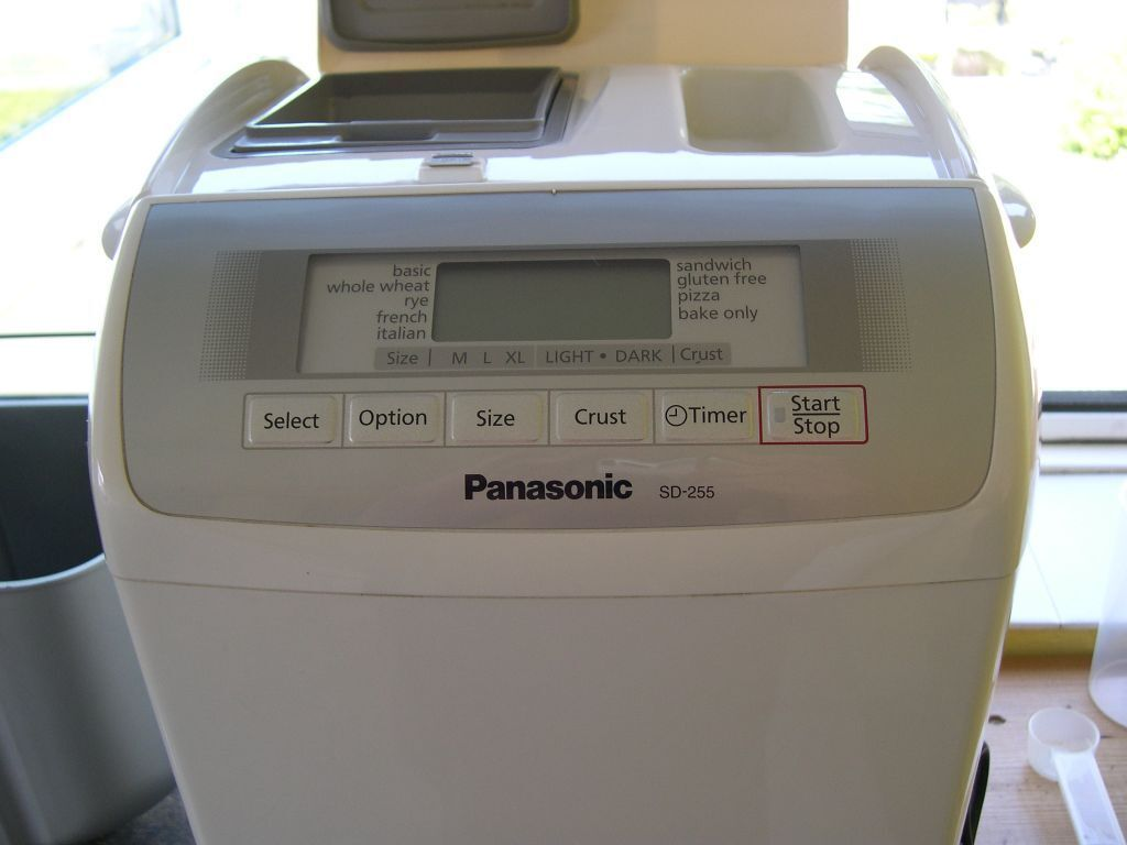 Panasonic Automatic Breadmaker with Operating Instructions and Recipes - SD  255