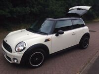 2007 MINI COOPER 1.6 diesel 6 speed in white FULL SERVICE HISTORY £20 a year tax