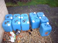 30 X 20 LITRE LIQUID CONTAINNERS ( NEED AWAY ASAP )