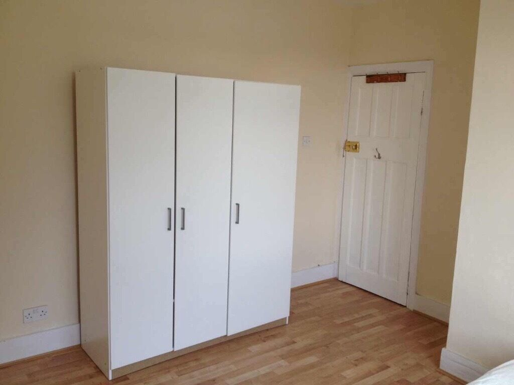 Beautiful room to rent in Mitcham including bills for a professional