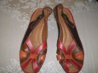 LADIES LEATHER OPEN TOE SHOES. NEW. SIZE 4. MULTI COLOURED