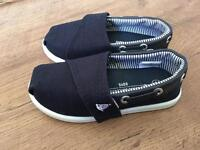 Brand New Boy's Shoes Infant Size 5.
