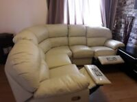 Can deliver lovely cream harveys curved corner recliner in very good conditio