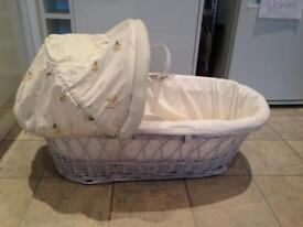 BEAUTIFUL MOSES BASKET - large hood, deep padding, luxury basket + mattress! BARGAIN 👍👍