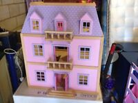MELISSA & DOUG CHILDS LARGE DOLLS HOUSE WITH ACCESSORIES PINK