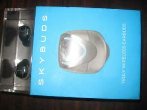 Skybuds Truly Wireless In Ear Headphones / Earbuds Mic. Bluetooth. Charging Case. Clear Audio Sound. Sweat Proof. Ergono