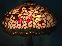 HIGH QUALITY STUNNING LARGE TIFFANY STYLE TABLE LAMP