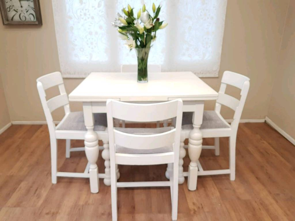Charming Vintage Draw Leaf Extending Dining Table And 4 Chairs