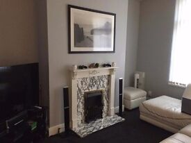 1 BED FLAT FOR RENT ELECTRIC GAS WATER INCLUDED £500 PCM £500 DEPOSIT