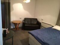 DOUBLE ROOMS TO RENT TWOWN CENTRE RUGBY