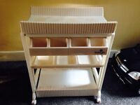 Baby bath changer changing station BABYLO AS NEW