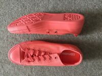 2 pairs Converse all star unisex trainers size 7, one pair unworn, one worn once