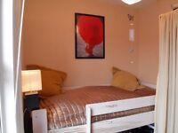 Single room in clean & peaceful flatshare for female; (Hendon/Middlesex Uni/Brent Cross)