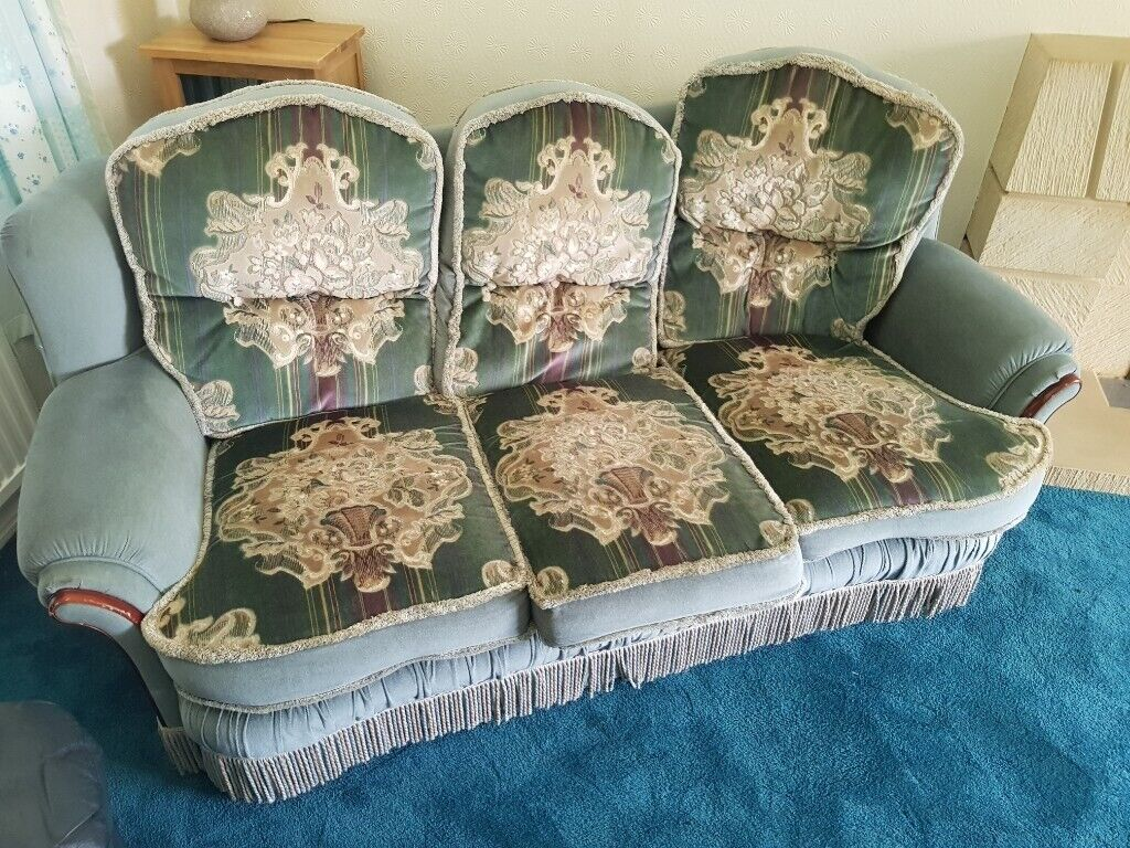 3 piece suite 3 seater sofa and 2 armchairs taunton