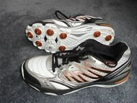SLAZENGER D30 CRICKET SHOES - LEATHER AND MESH UPPERS SIZE 7 - CUSHIONED ANKLE COLLAR