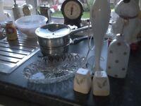 stick blender,nibbles tray, two pans,oil pourer ,salt and pepper pots.