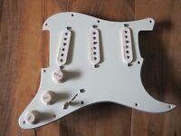 Selling Fender Noiseless pick-ups