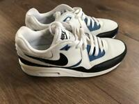 Nike Air Max Light Size 4