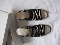 Ladies Lilley & Skinner Made in Italy sandal & heel height 2.5 inches EU Size 39 / UK Size 6, nearl