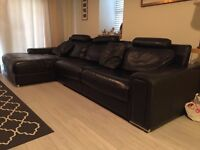 Quality leather suite for sale (Black) £5K new selling for £400 ono