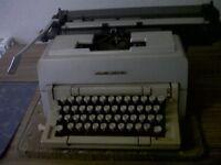 Olivetti Linea 98 Typewriter
