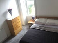 Bright Sunny Spacious Double Room For Festival Let