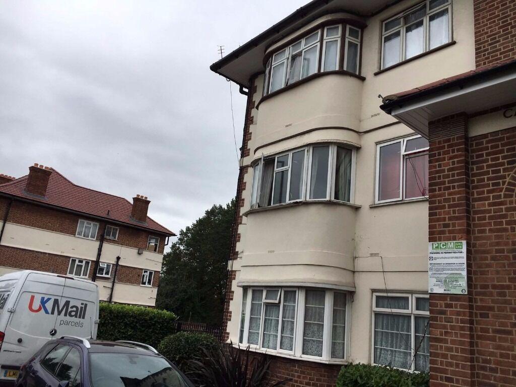 3 bedroom flat TO LET in Raynerslane